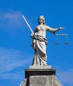 Pani spravedlnost (Justitia) socha v Dublinu — Stock fotografie