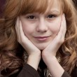 Close up headshot of smiling preteen girl — Lizenzfreies Foto