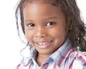 En närbild headshot av en 5-årig blandras kille — Stockfoto