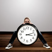 Happy woman with a big clock: Time Concept — Foto de Stock