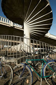 Abstract architecture and parked bicycles — Stock Photo