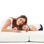 Hijo y madre juguetón — Foto de Stock