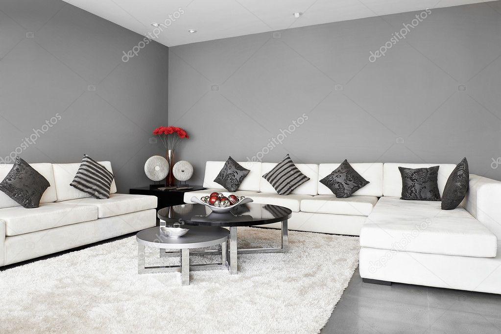 Interieur: woonkamer met grote lege muur — Stockfoto © scornejor ...