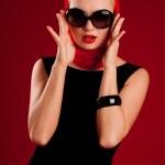 güneş gözlüklü Sexy model — Stok fotoğraf