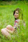 Chica morena con vestido — Foto de Stock