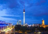 Torre de televisión fernsehturm, vistas de berlín, alemania — Foto de Stock