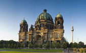 Berliner Dom & Fernsehturm television tower — Stock Photo