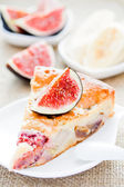 Cake with figs and bananas — Stockfoto
