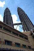 Petronas towers em kuala lumpur, malásia — Fotografia Stock