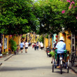 Trishaw driver at UNESCO heritage site in Hoi An, Vietnam — Stock Photo #40693507
