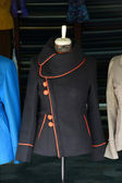 Mannequin modelling jackets in tailor shop in Hoi An — Stock fotografie