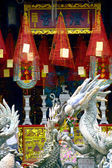 Ancestry house temple and dragon sculpture in Hoi An, Vietnam — Stock Photo