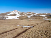 Weg in hoge berg — Stockfoto