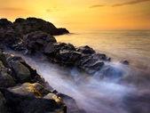 Prachtig zeegezicht tijdens zonsondergang — Stockfoto