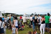 Air show - visitors admire planes — Stock Photo