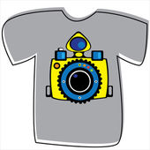 T-shirt with a camera on white background  — Wektor stockowy