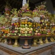 Preparing offerings for a temple ceremony in Bali — Lizenzfreies Foto