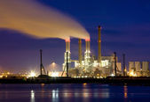 Power plant at night at the Maasvlakte, Europoort, The Netherlands — Stock Photo