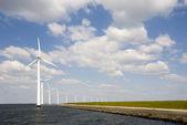 Wind turbine in the IJsselmeer near Lelystad in the Netherlands — Stock Photo