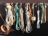 Fisherman's ropes on the side of a Dutch fishing boat — Foto Stock