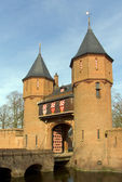 Entrance of castle Haarzuilen, Zuilen, Holland — Foto de Stock