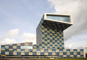 Modern architecture in Rotterdam, the Netherlands — Stock Photo