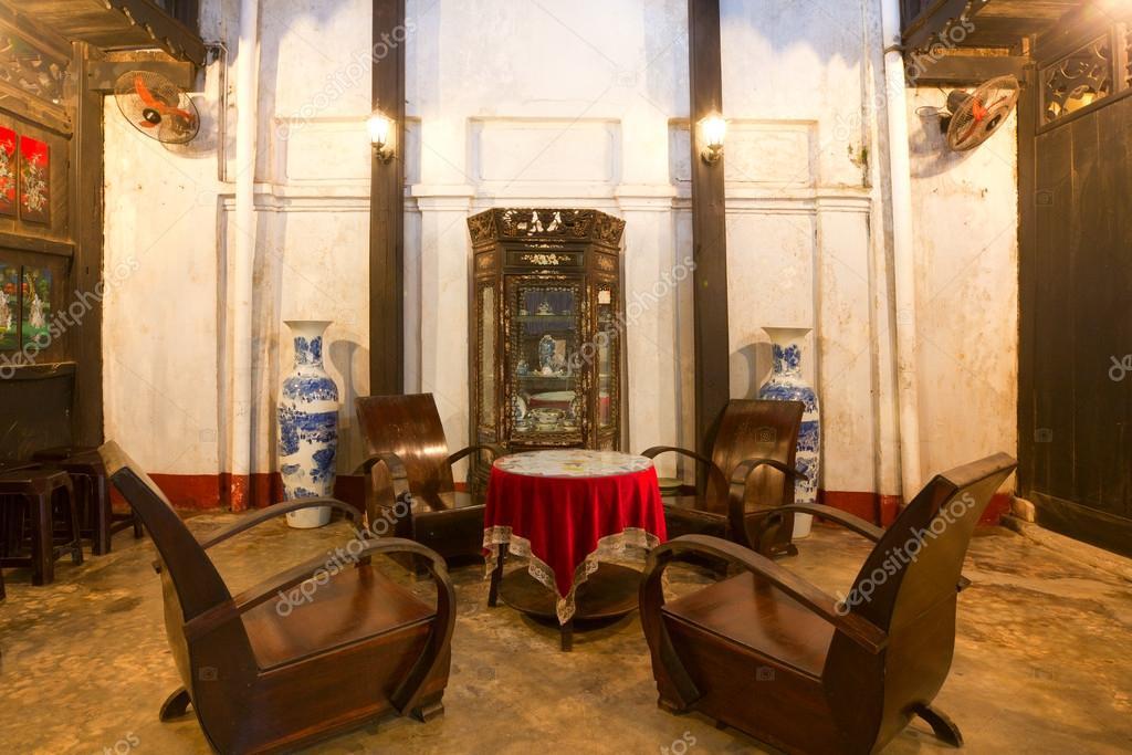 Interieur van een traditioneel huis in hoi an vietnam stockfoto erikdegraaf 20985041 - Interieur van amerikaans huis ...