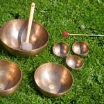 Tibetan singing bowls for sound healing — Stock Photo