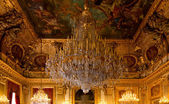 Chrystal chandelier in the Louvre, Paris — Stock Photo