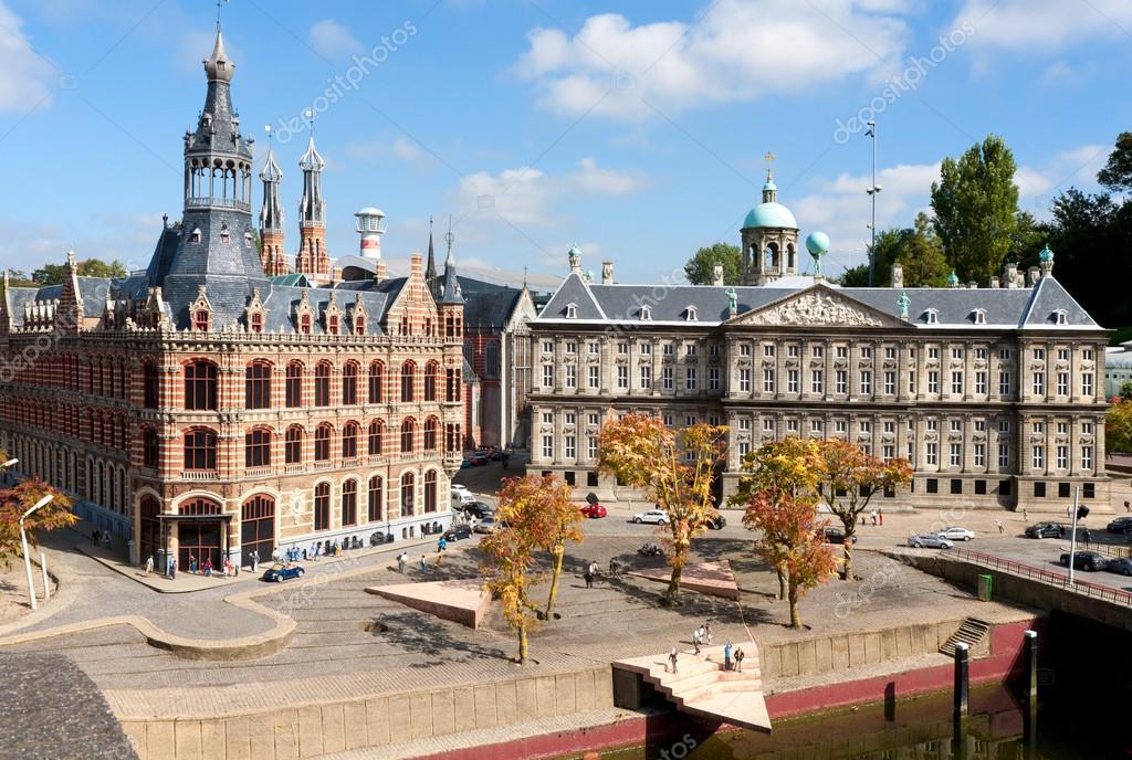Дворцовый комплекс бинненхоф не только исторический центр гааги, но и политический центр голландии