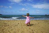 Child on beach — Stock Photo