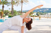 Senior woman doing yoga — Foto Stock