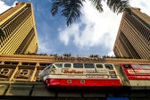 Mono rail passing by Times Square in Kulala Lumpur, Malaysia — Stock Photo
