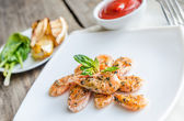 Shrimps with sauce — Stockfoto