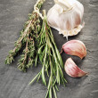 Herbs and garlic — Stockfoto
