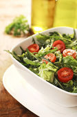 Fresh Green Salad with Arugula, Rocket and Cherry Tomatos — Stock Photo