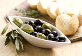Olives and bread — Stock fotografie