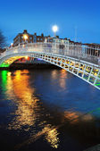 Ha'penny bridge in Dublin — Stock Photo