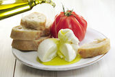 Burrata tomato and bread — Stok fotoğraf