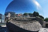 Palla di vetro al centro scientifico del centro di parigi — Foto Stock