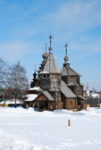 Wooden huts and churches in Suzdal — Stock Photo