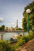Uitzicht op de rivier de seine — Stockfoto