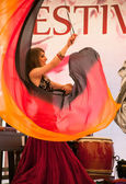 East Indian dancers at the festival of the East in Milan — Stock Photo