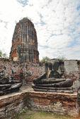 Pagoda y estatua del buda — Foto de Stock
