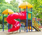 Parque infantil en el parque — Foto de Stock