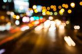 Tráfico de la noche. desenfoque de movimiento. — Foto de Stock