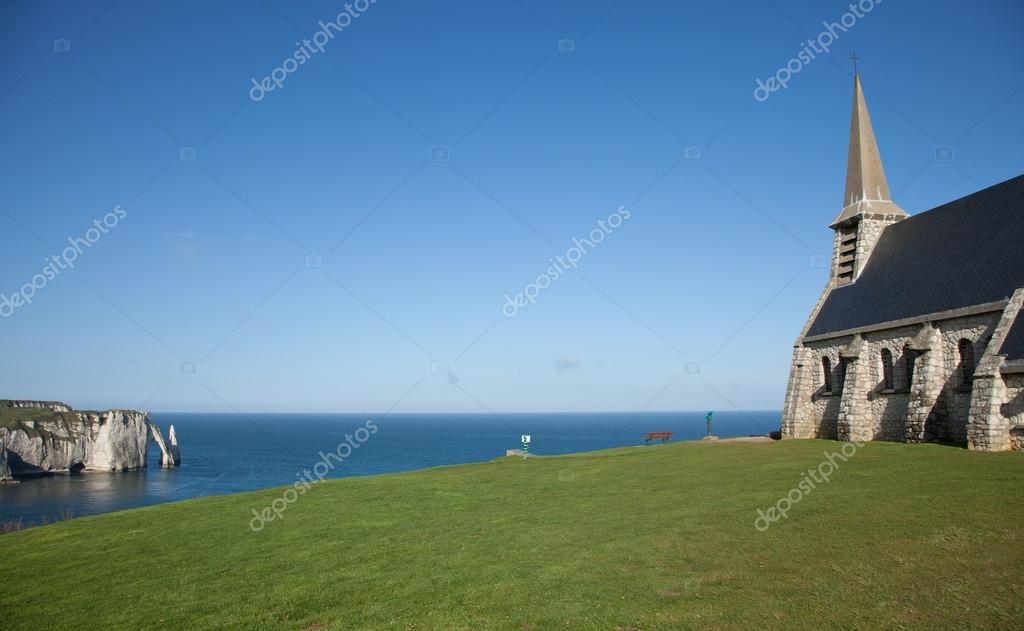 Étretat, France — Stock Photo #19518333