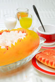 China delicious food-- papaya and shrimp — Stock Photo