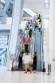 Busy shopping mall — Foto Stock