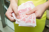 Shopping woman with money bills — Foto Stock